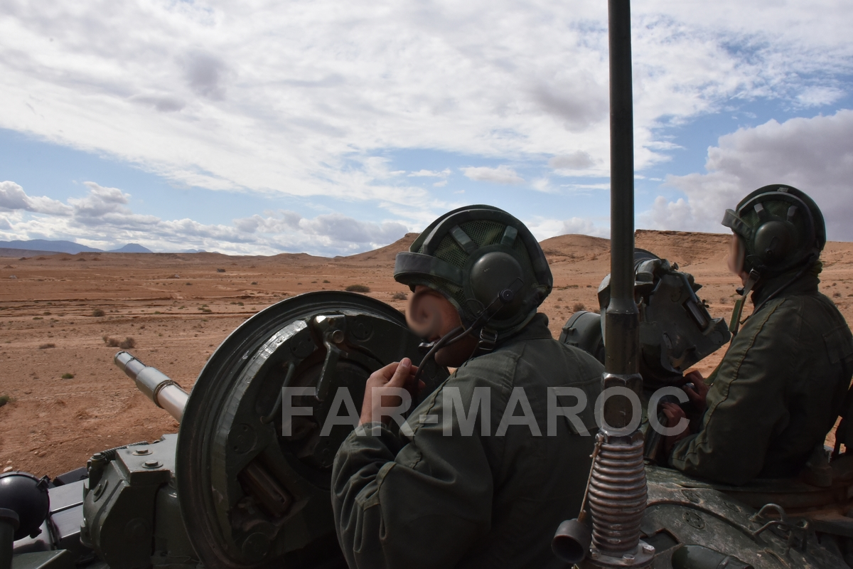 Chars T-72B/BK MArocains // Moroccan Army T-72B/BK Tanks - Page 3 49164655297_8fdc949aa3_o