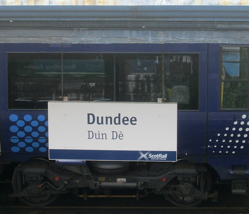 Dundee Station Platform Sign