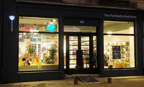 Christmas Window at the Portobello Bookshop 01