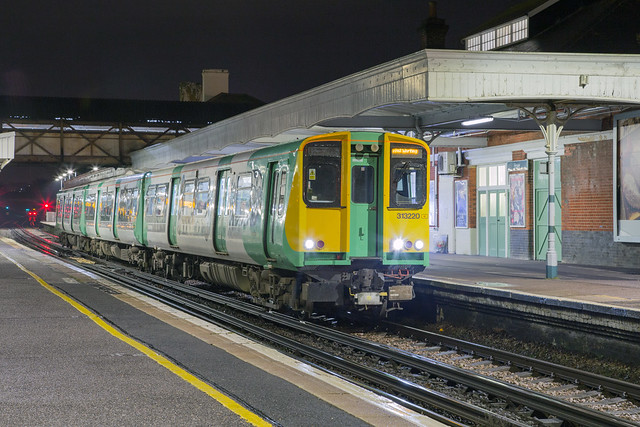 Southern 313 220 Hove