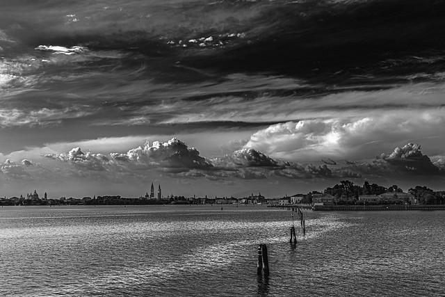 Pour faire des photos de ciel, tu n'es pas obligé d'aller à Etretat, tu peux aussi aller à Venise III/III...