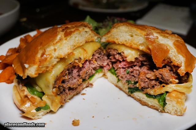 mezze kl cheese burger patty