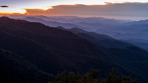 appalachia appalachianmountains blueridgeparkway smokymountains morning sunrise blueridgemountains mountainrange dawn northcarolina