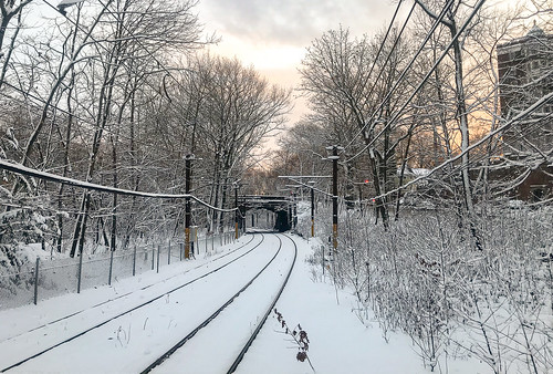 snow snowfall twilight twilightzone sunset longwood muddyriver brookline trainstation train greenline dtrain riverway emeraldnecklace