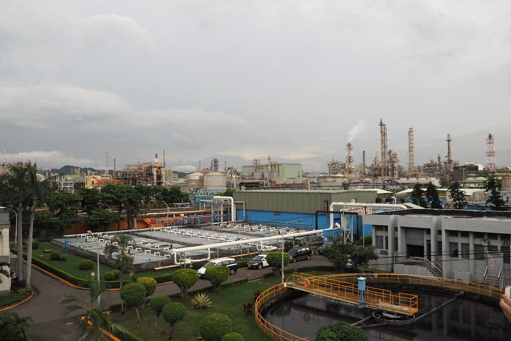 石化廠排放異味經常抓不到,民眾要求加強監測,並公布即時監測資訊。攝影:李育琴