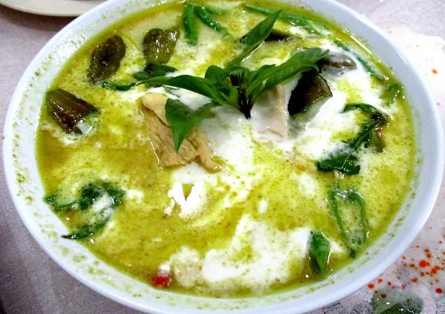 Nok An Net green curry