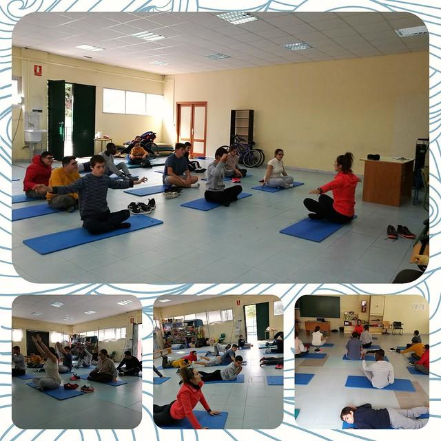 Yoga en las aulas específicas