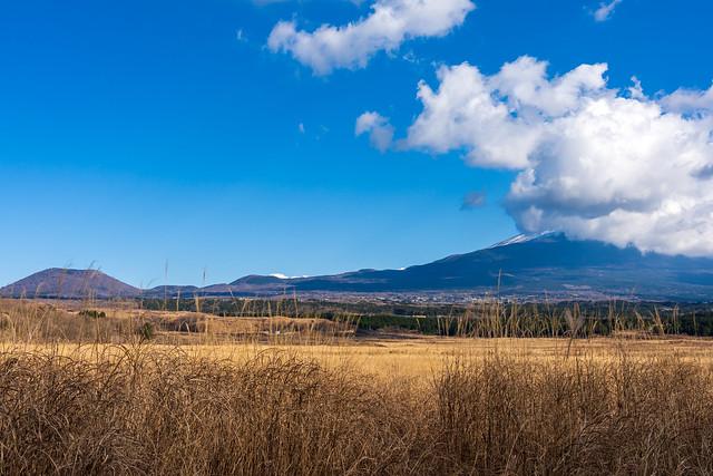 富士山は雲に隠れる