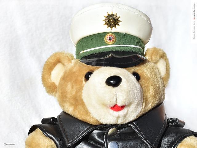 cop policeman (c) 2020 Bernard Egger :: rumoto images 2251