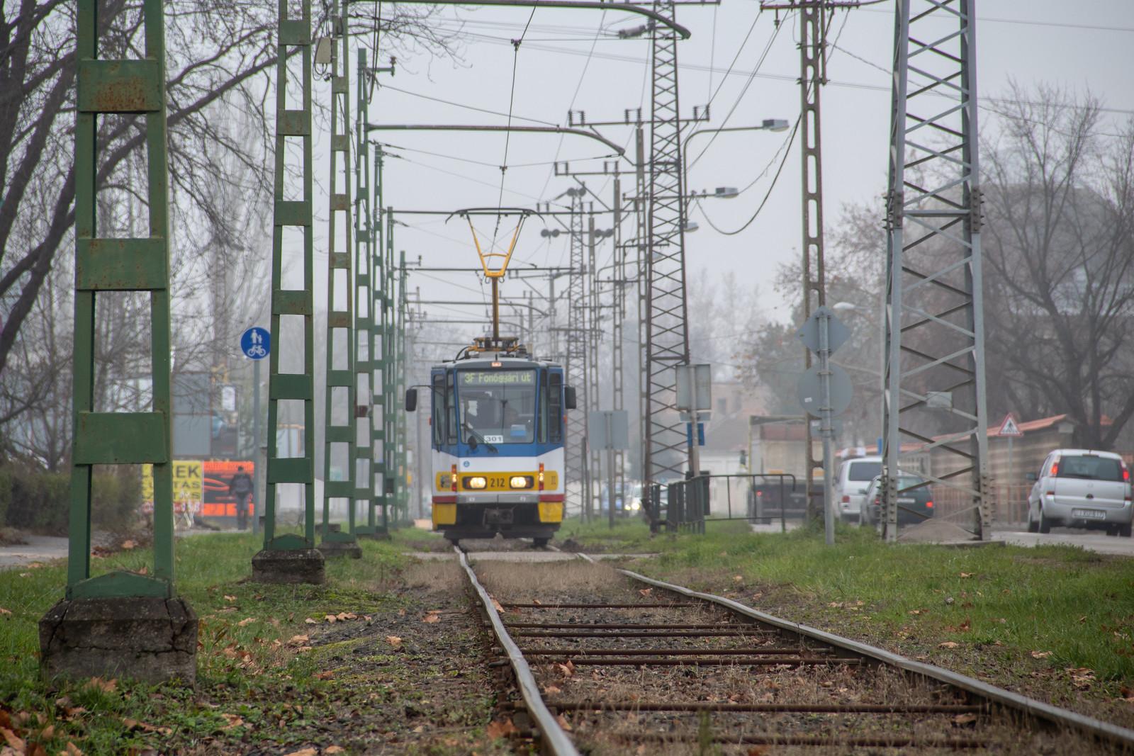Tizenöt éve szolgálják Szegedet a csuklós Tatra villamosok