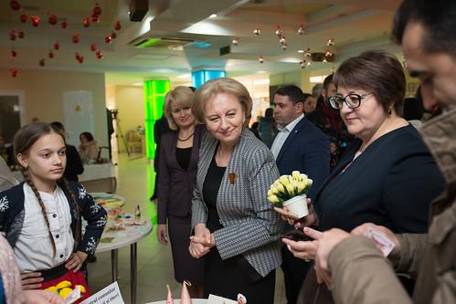 04.12.2019 Participarea Președintelui Parlamentului la deschiderea Expoziției cu vânzare a lucrărilor confecționate de către persoane cu dizabilități și copii din centrele de plasament