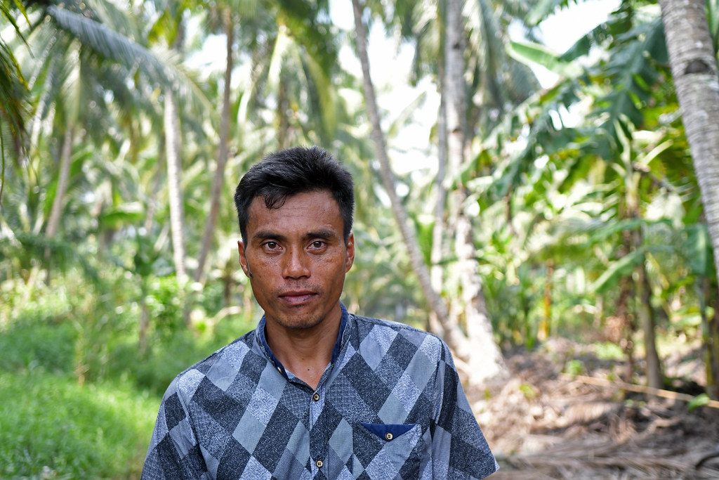 Local people, palm sugar producer.