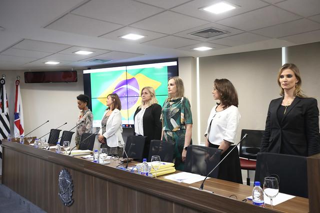 03.12.2019 - Sessão Solene de Desagravo Público da advogada Lucieli Regina da Silva
