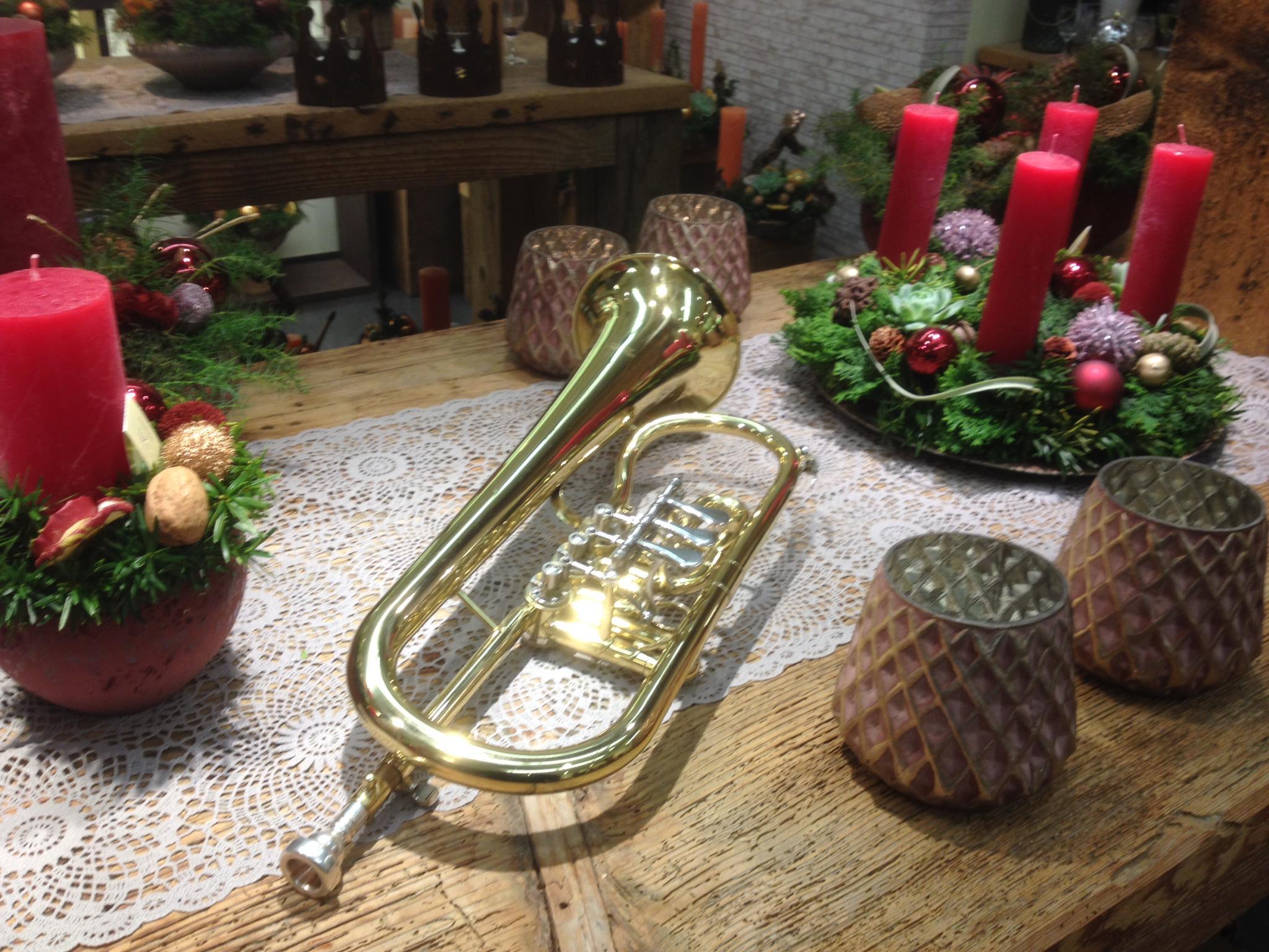 Ständchen der Weihnachtsmusik an der Adventsaustellung des Blumenhauses Daniela in Luzern (22.11.2019)
