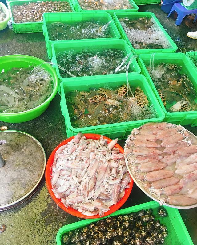 Phượt Vũng Tàu – Kinh nghiệm mua hải sản chợ Xóm Lưới (9)