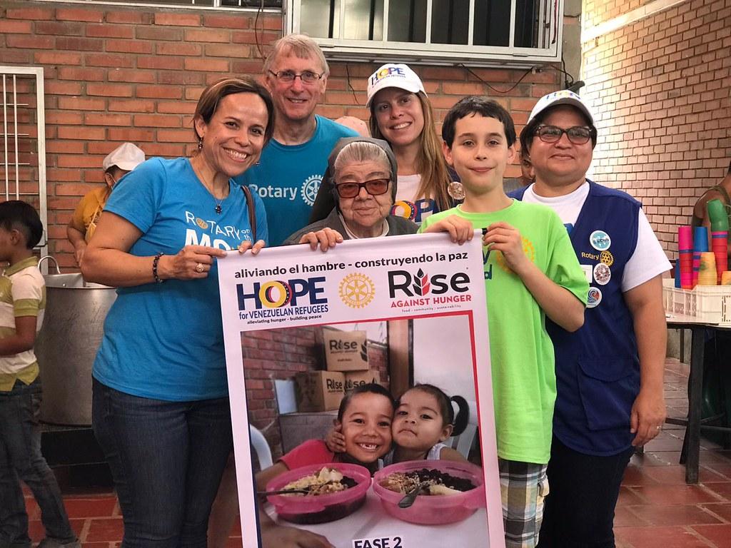 Visita de Lorena Gloden del Perrysburg Rotary Club al Comedor Santo Domingo Savio en Cucúta