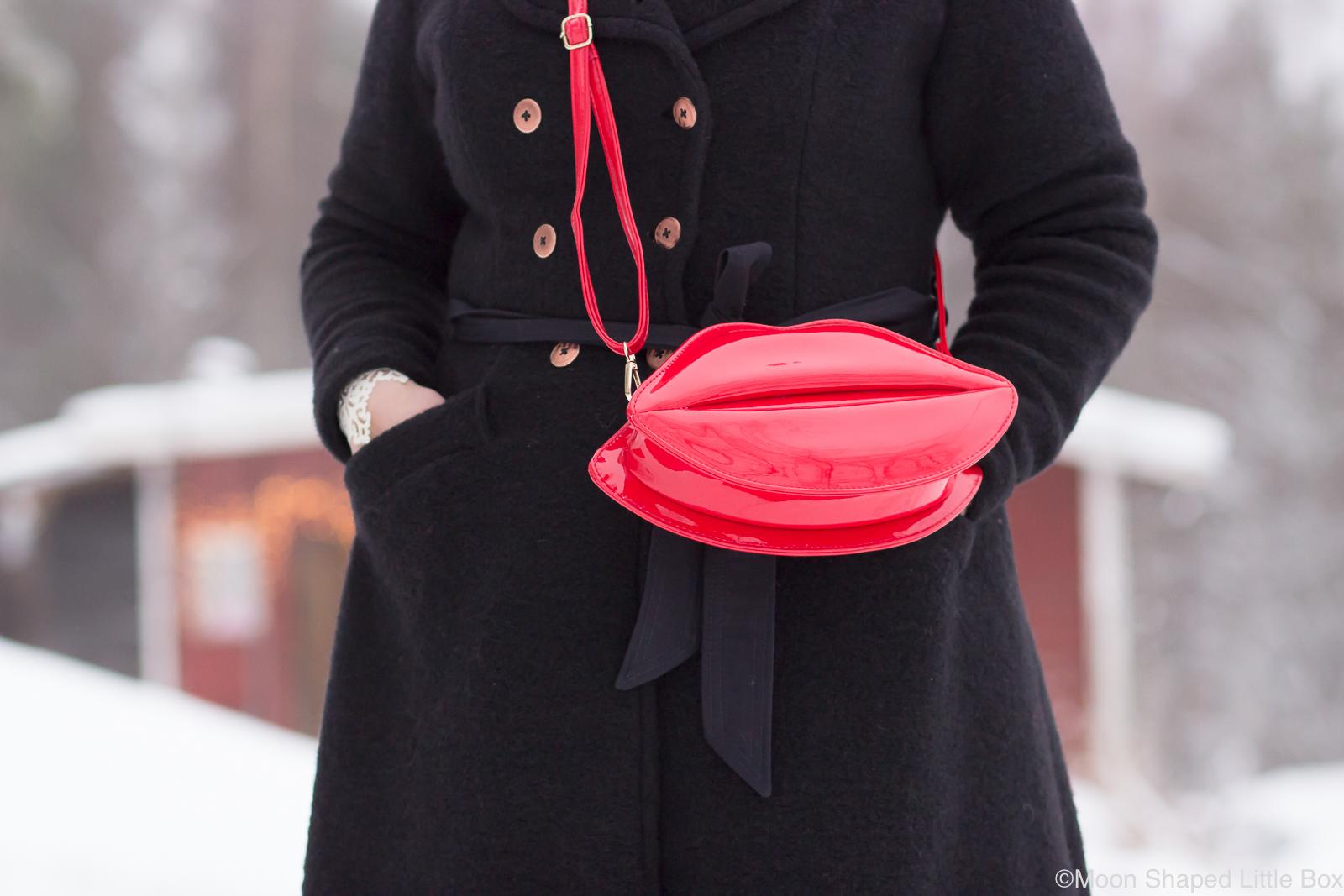 Punainen-laukku