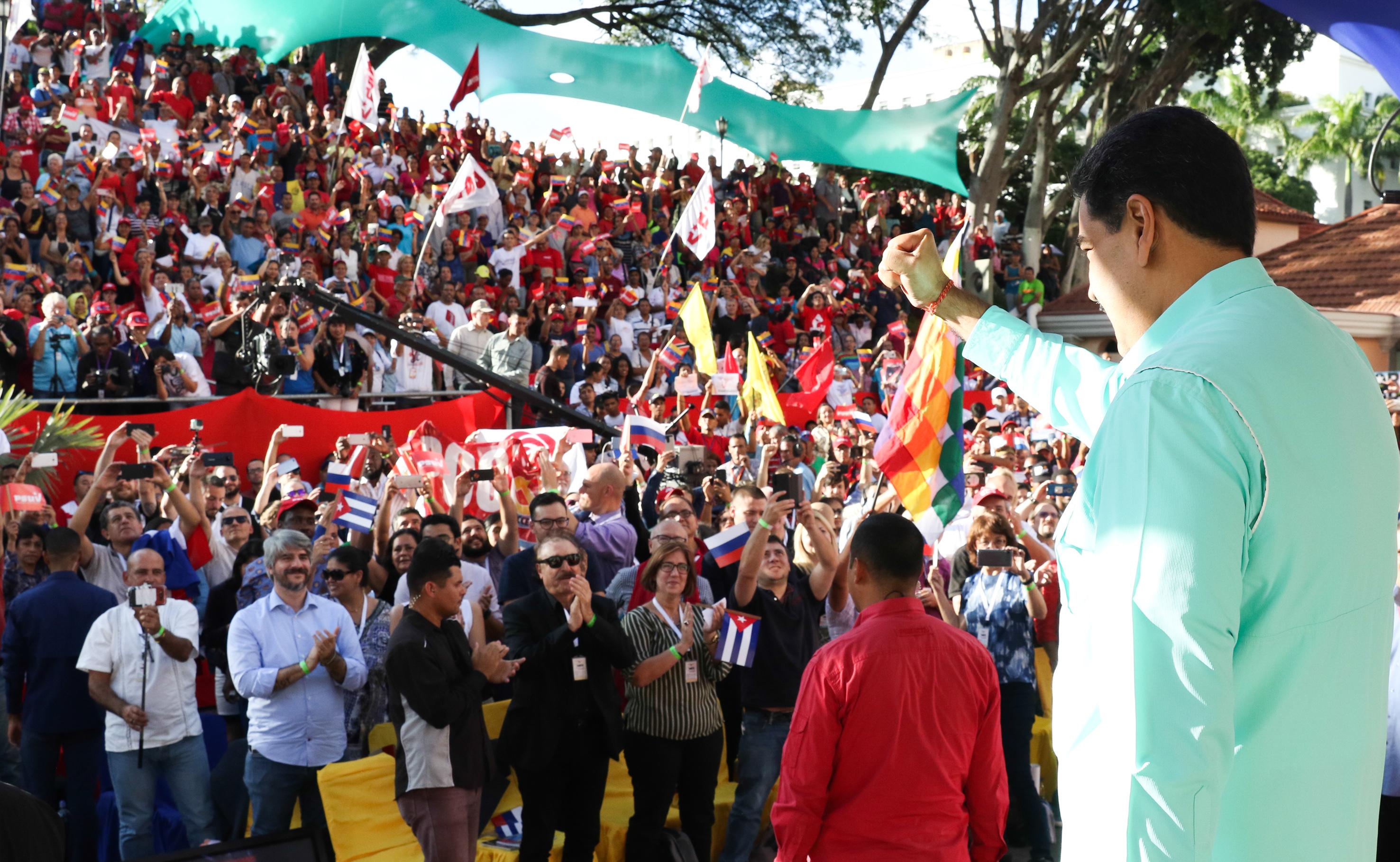 Presidente Maduro exhorta a pueblos del mundo a expresar en redes sociales descontento por silencio de Bachelet