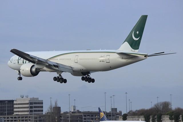 PIA Boeing 777-200ER AP-BGJ
