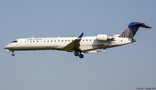 United Express / Operated By Mesa Airlines / Bombardier CRJ-701ER / N507MJ / YYZ