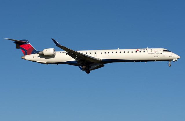 N932XJ CRJ-900LR