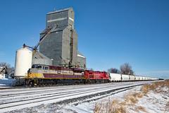 CP 7012 West at Drake, North Dakota  (由  jterry618