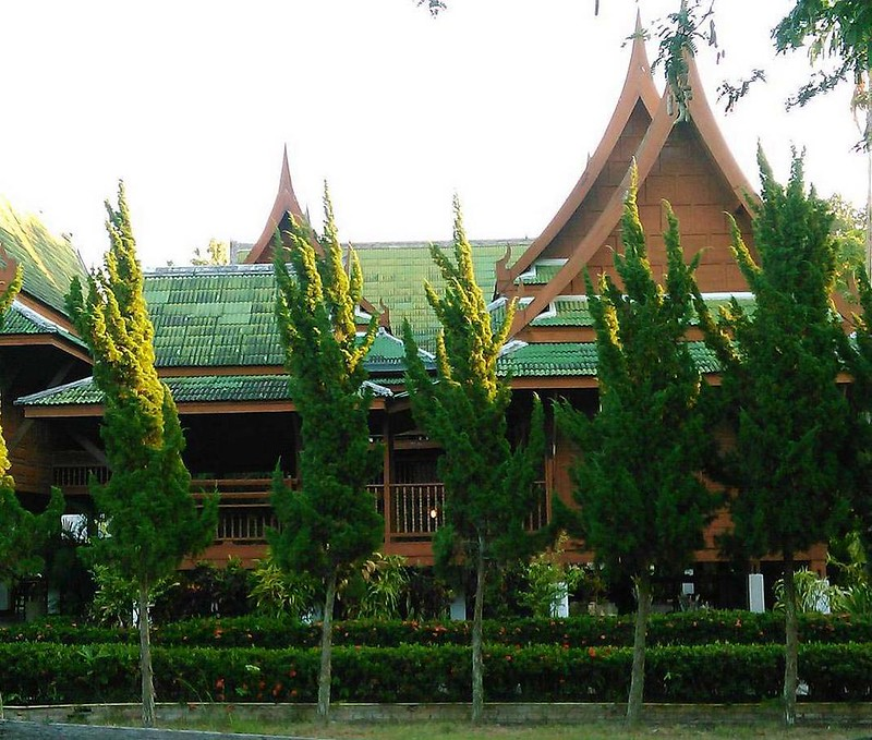 CLS Massage School (Chiang Mai, Thailand) – Brochures, Info, Price, Reviews