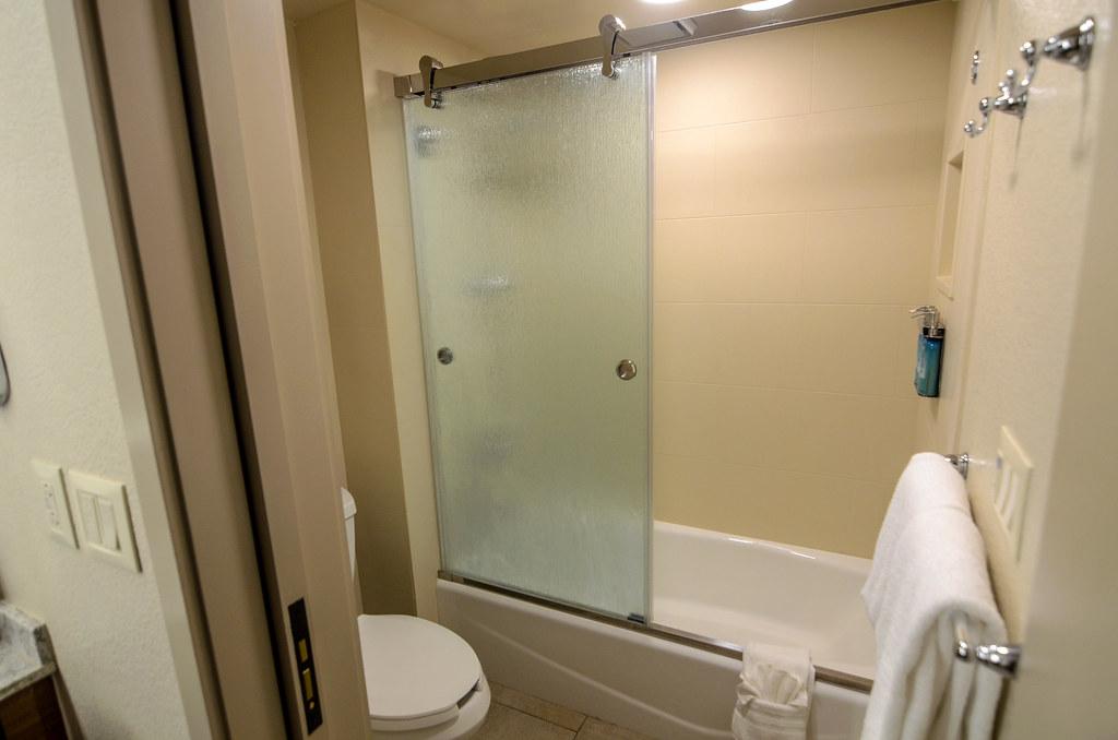 Coronado shower room