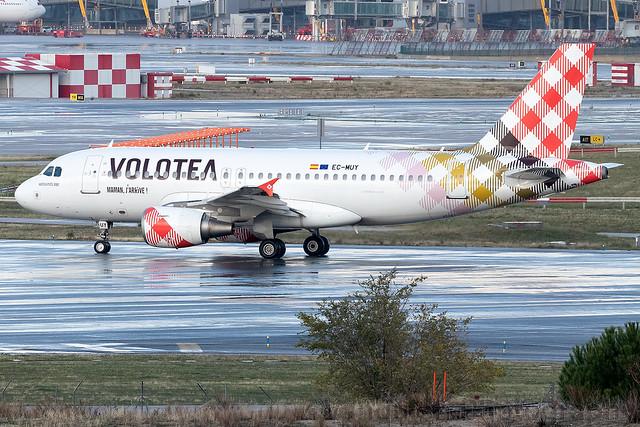 EC-MUY Volotea A319 Madrid Barajas