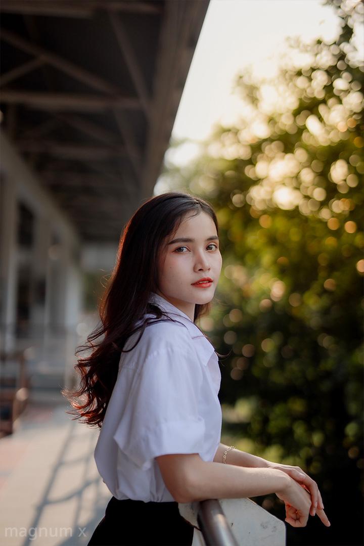 Student-Sun-Light-02