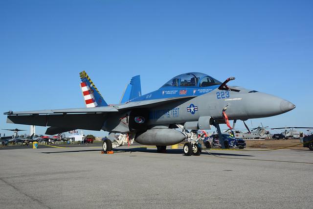 165801 Boeing FA18F Super Hornet KNHK 29-10-16