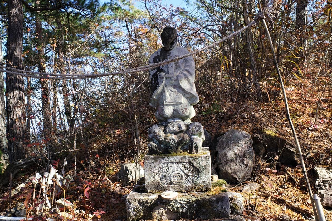 大前山の仏像