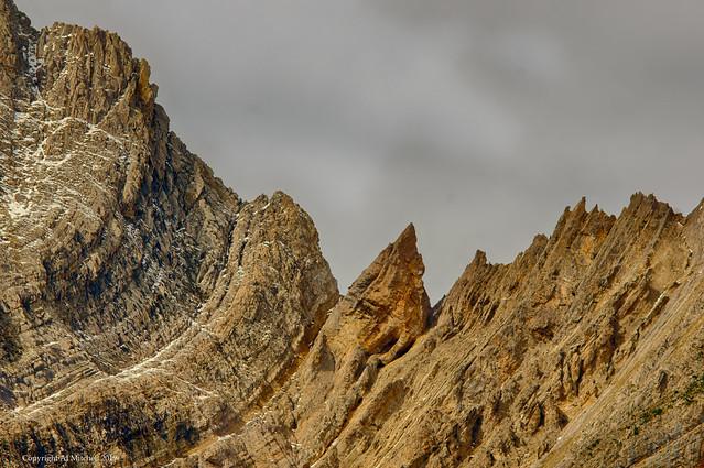 Pointing between two peaks