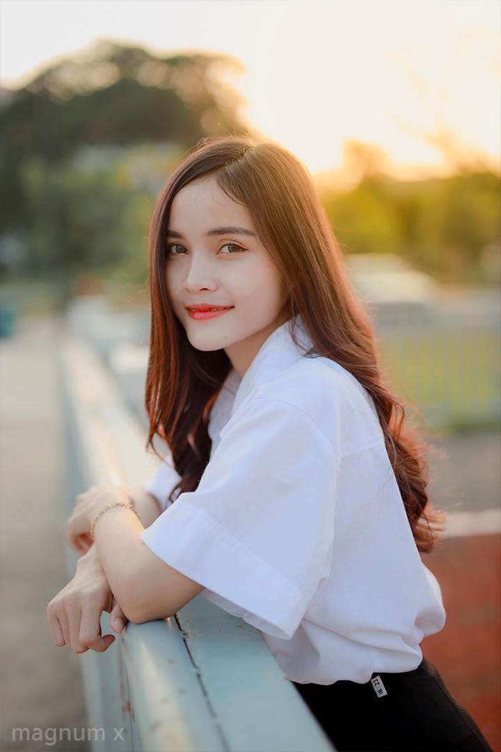 Student-Sun-Light-03