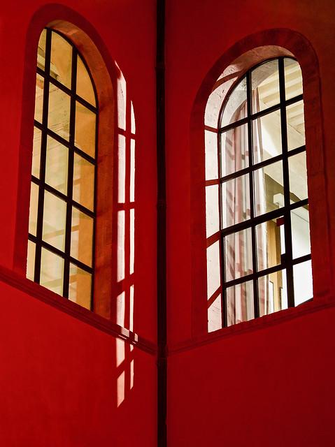 Lyon - Fenêtres sur cour à l'Hôtel-Dieu.