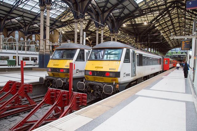 GA 90011 + 90002 London Liverpool St