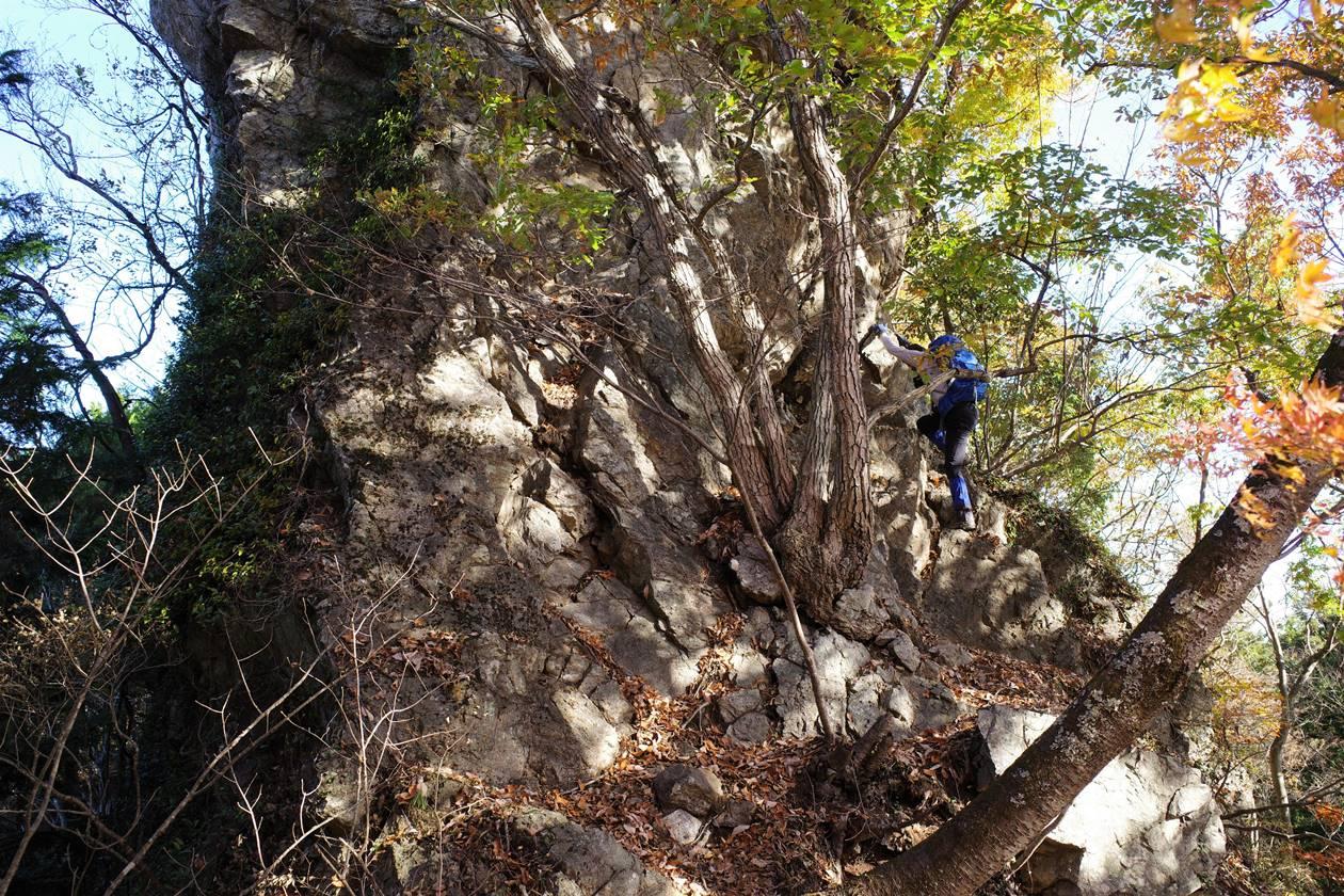 猿岩に登る