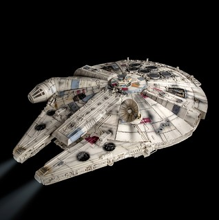 STK Workshop 星際大戰五部曲:帝國大反擊 千年鷹號 Millennium Falcon 1:1 比例電影拍攝模型復刻品!精緻外觀細節與內部燈效令人驚豔