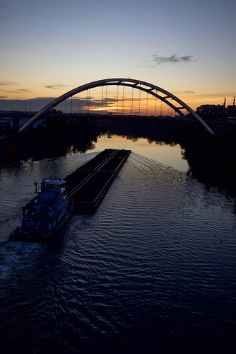 cumberlandriver barge sunrise gatewaybridge bridge nashville