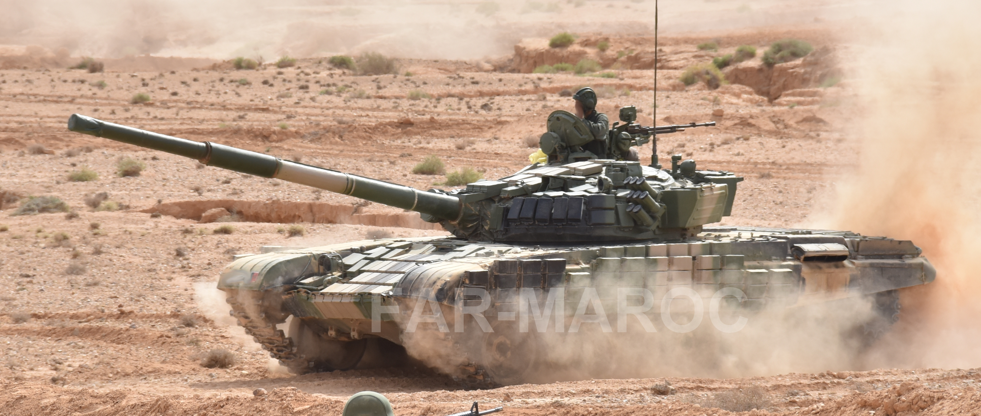 Chars T-72B/BK MArocains // Moroccan Army T-72B/BK Tanks - Page 6 49173902571_4e73bcb381_o