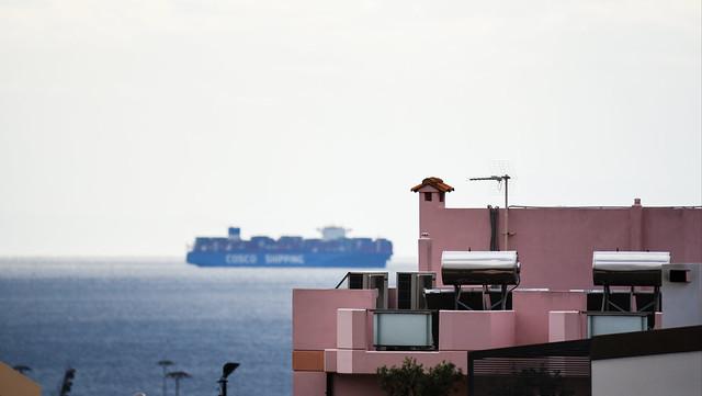 cargo ship vs buildings
