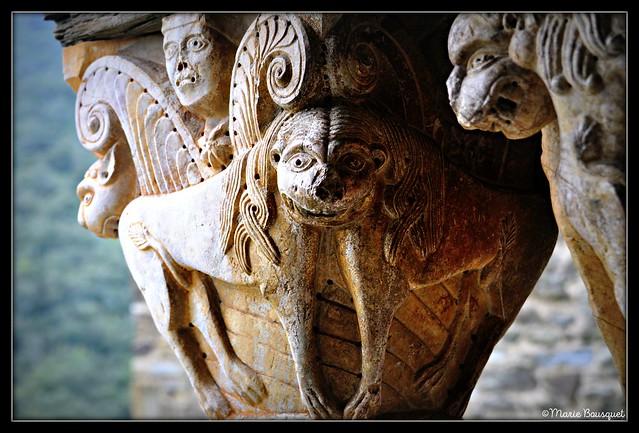 Lions à une tête du prieuré de Serrabone