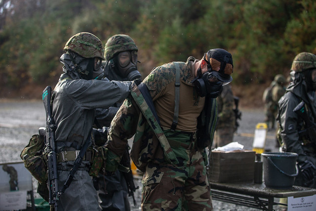 U.S. Marines, Japanese Soldiers run CBRN decontamination drills during Forest Light Middle Army