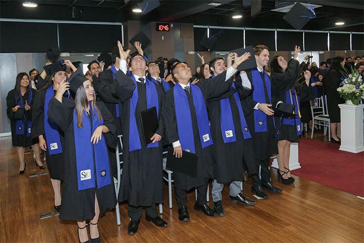 USIL celebró las graduaciones de los alumnos del programa Doble Grado 2019-01