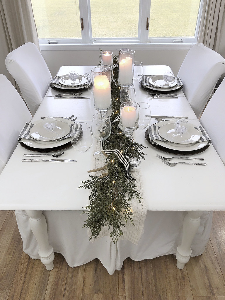 Table Setting Garland