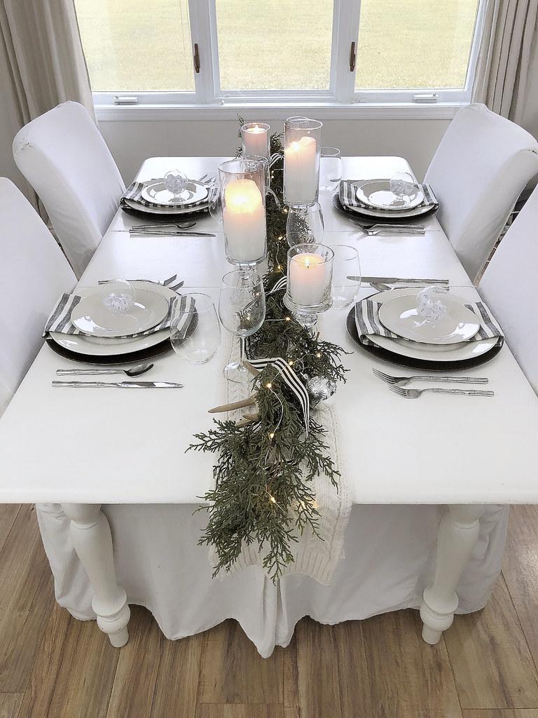 Table Setting Garland