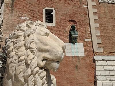 Proud Venice ~ Proud Lion