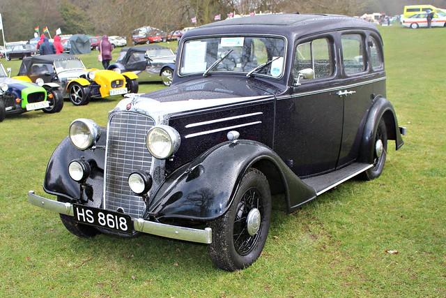 674 Vauxhall Light Six Saloon (1935)