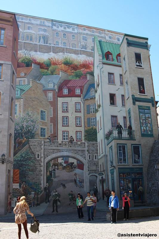 Vieux Quebec Fresque des Québécois