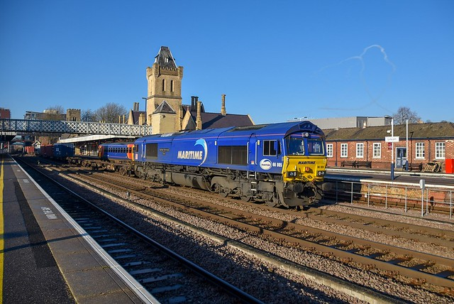 66005 brings 4L45 through Lincoln Central